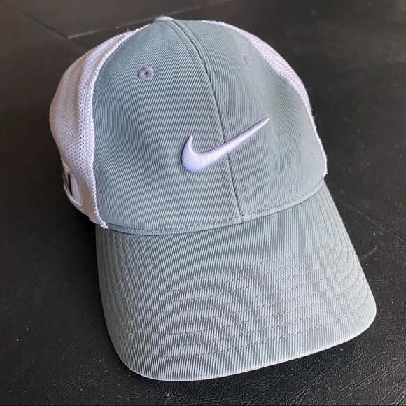 Nike RZN VRS Fitted Flexfit Golf Hat